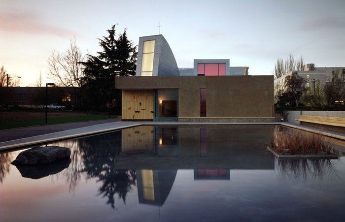 Steven Holl and Color: 5 Things I Love About Seattle's St. Ignatius Chapel
